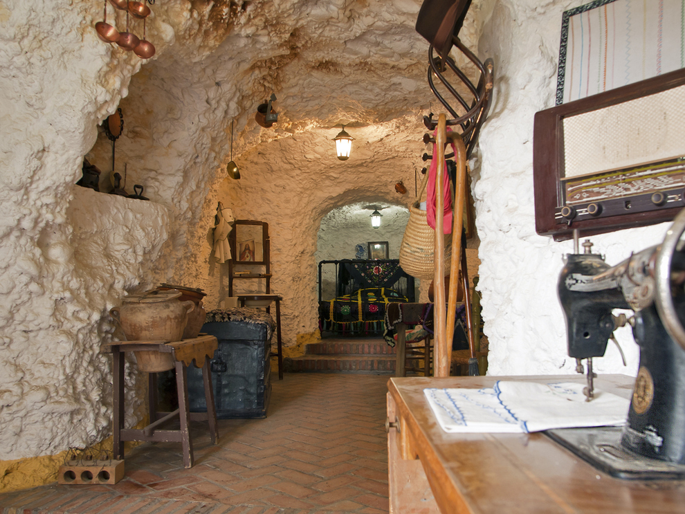 27 Incredible Underground Homes You'll Wish You Owned-homesthetics (3)