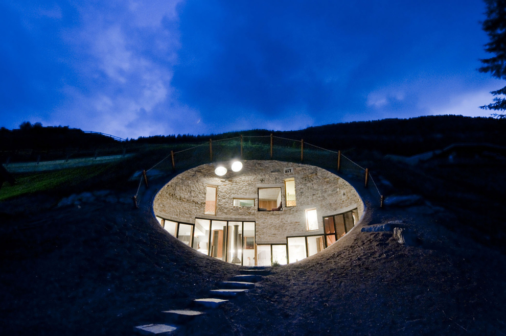 27 Incredible Underground Homes You'll Wish You Owned-homesthetics (31)