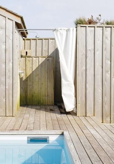 63 Outdoor Showers & Outdoor Bathtubs Exuding Supreme Tranquility and Serendipity homesthetics (12)