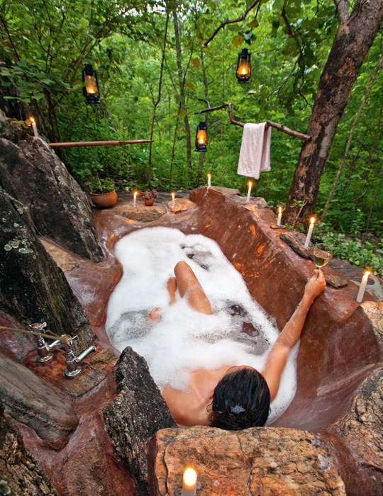 61 Luxuriant Outdoor Showers & Outdoor Bathtubs Exuding Supreme Tranquility and Serendipity