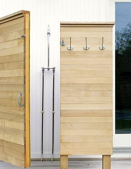 63 Outdoor Showers & Outdoor Bathtubs Exuding Supreme Tranquility and Serendipity homesthetics (21)