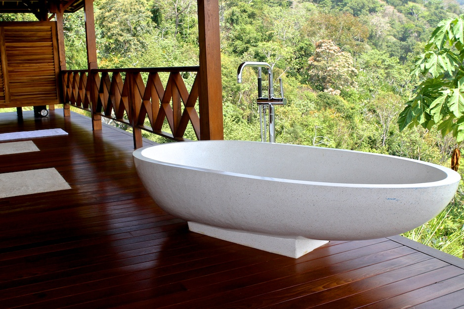 63 Outdoor Showers & Outdoor Bathtubs Exuding Supreme Tranquility and Serendipity homesthetics (23)