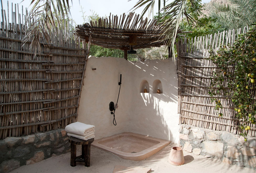 63 Outdoor Showers & Outdoor Bathtubs Exuding Supreme Tranquility and Serendipity homesthetics (24)