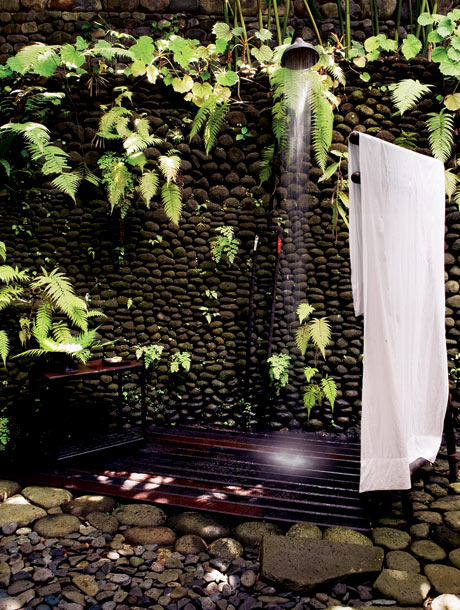 63 Outdoor Showers & Outdoor Bathtubs Exuding Supreme Tranquility and Serendipity homesthetics (26)