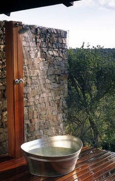 63 Outdoor Showers & Outdoor Bathtubs Exuding Supreme Tranquility and Serendipity homesthetics (39)