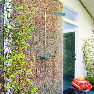 63 Outdoor Showers & Outdoor Bathtubs Exuding Supreme Tranquility and Serendipity homesthetics (52)