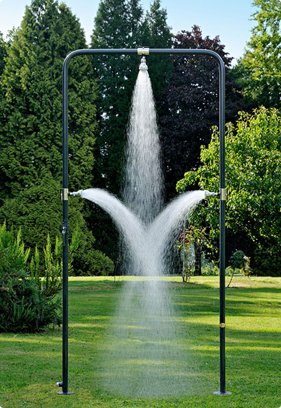 63 Outdoor Showers & Outdoor Bathtubs Exuding Supreme Tranquility and Serendipity homesthetics (57)