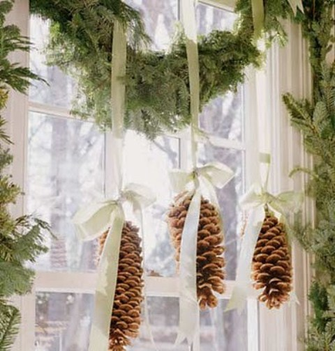 65+ Simply Magical DIY Pinecones Crafts That Will Beautify Your Christmas Decor Homesthetics (11)