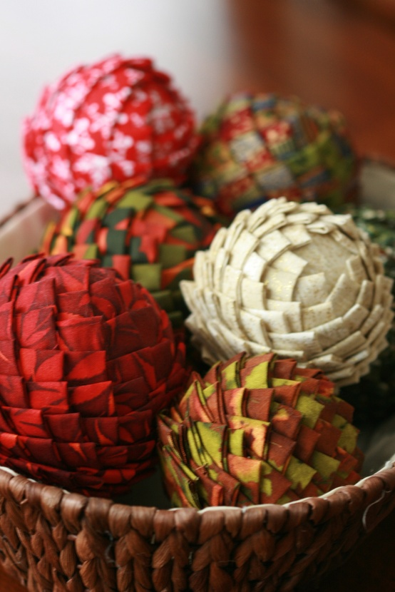 65+ Simply Magical DIY Pinecones Crafts That Will Beautify Your Christmas Decor Homesthetics (21)