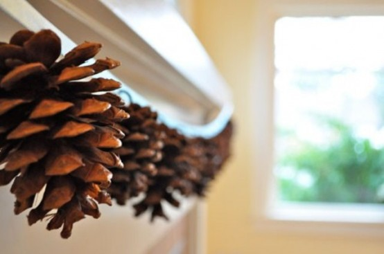 65+ Simply Magical DIY Pinecones Crafts That Will Beautify Your Christmas Decor Homesthetics (23)