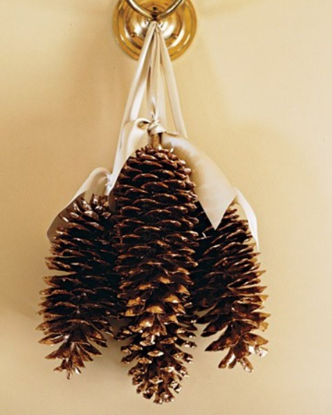 65 simply magical diy pinecones crafts that will beautify your christmas decor homesthetics 24 - Homemade Pine Cone Christmas Decorations