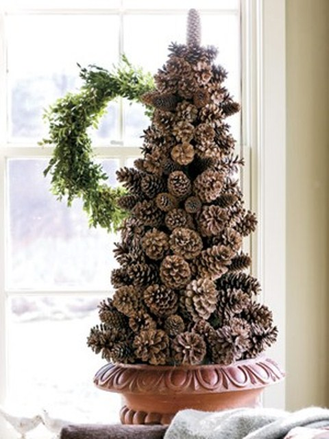 65+ Simply Magical DIY Pinecones Crafts That Will Beautify Your Christmas Decor Homesthetics (25)