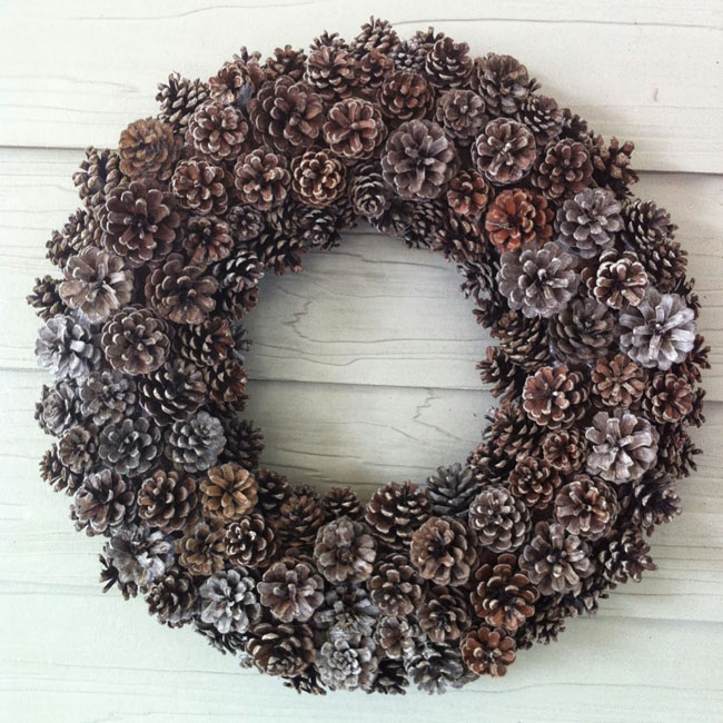pinecone votives extraordinary simple and easy to realize pinecone wreath - Homemade Pine Cone Christmas Decorations