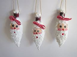 Beautiful Ideas On How To Decorate With Light Bulbs-homesthetics (14)