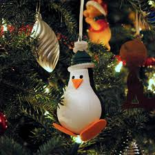 Beautiful Ideas On How To Decorate With Light Bulbs-homesthetics (15)