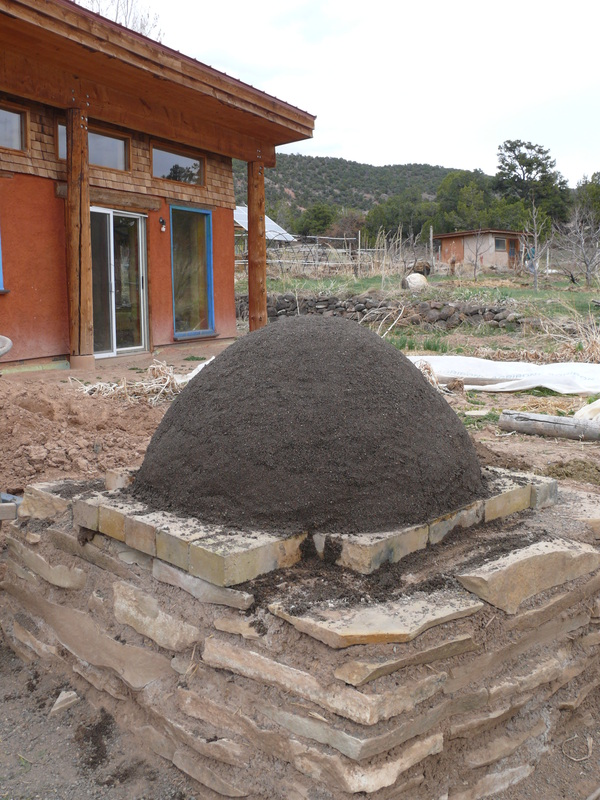 DIY Cob Oven Project-Outdoor Pizza Oven- Build Your Own For $20   homesthetics (17)