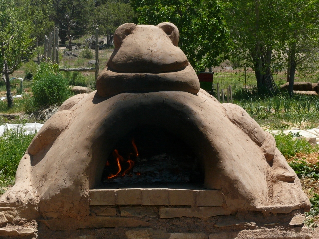 DIY Cob Oven Project-Outdoor Pizza Oven- Build Your Own For $20   homesthetics (19)