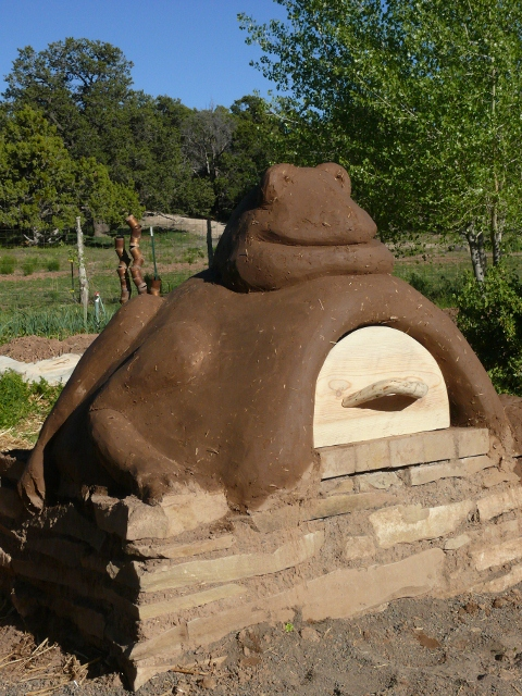 DIY Cob Oven Project-Outdoor Pizza Oven- Build Your Own For $20   homesthetics (37)