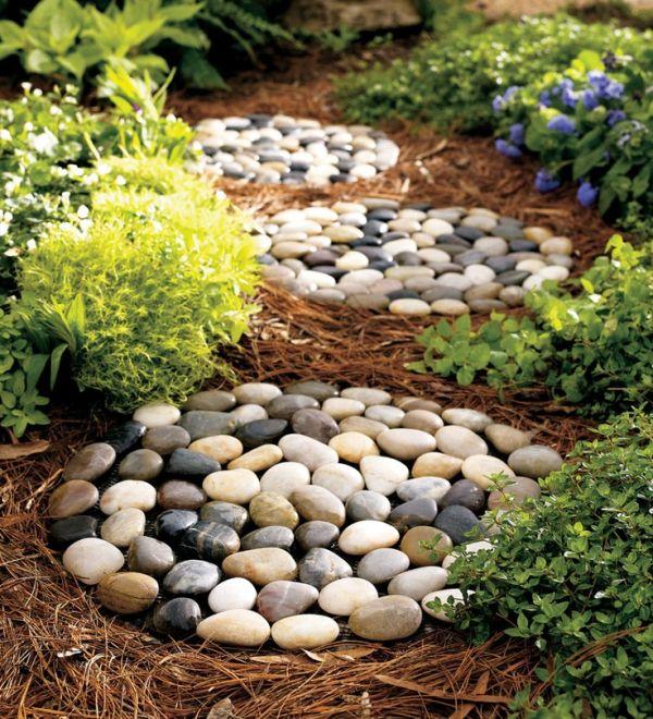 From River Stone Mats to Tic Tac Toe-DIY Stone Projects You Can Try Right Now -homesthetics (12)