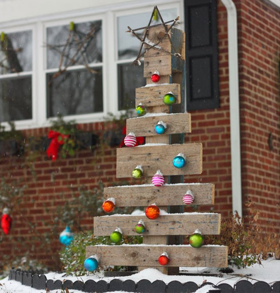 make a diy pallet tree1