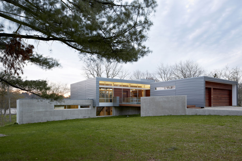 Simplicity Expressed in Riverview Home Enhanced by Natural Panoramas  homesthetics magazine (11)