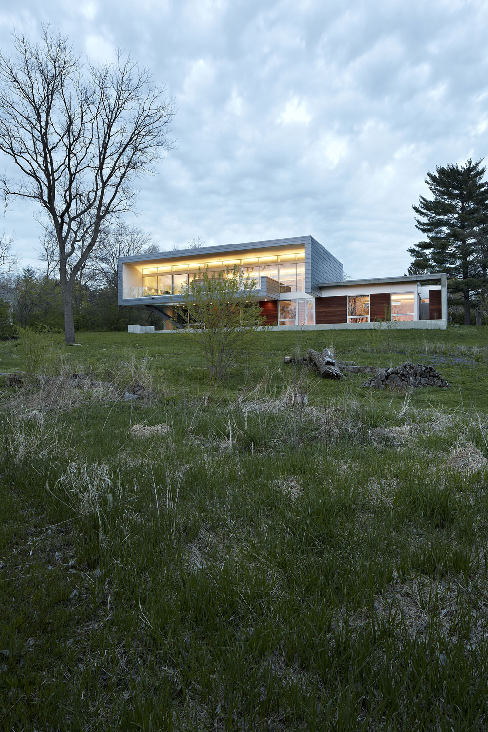 Simplicity Expressed in Home Enhanced by Natural Panoramas  homesthetics magazine (16)
