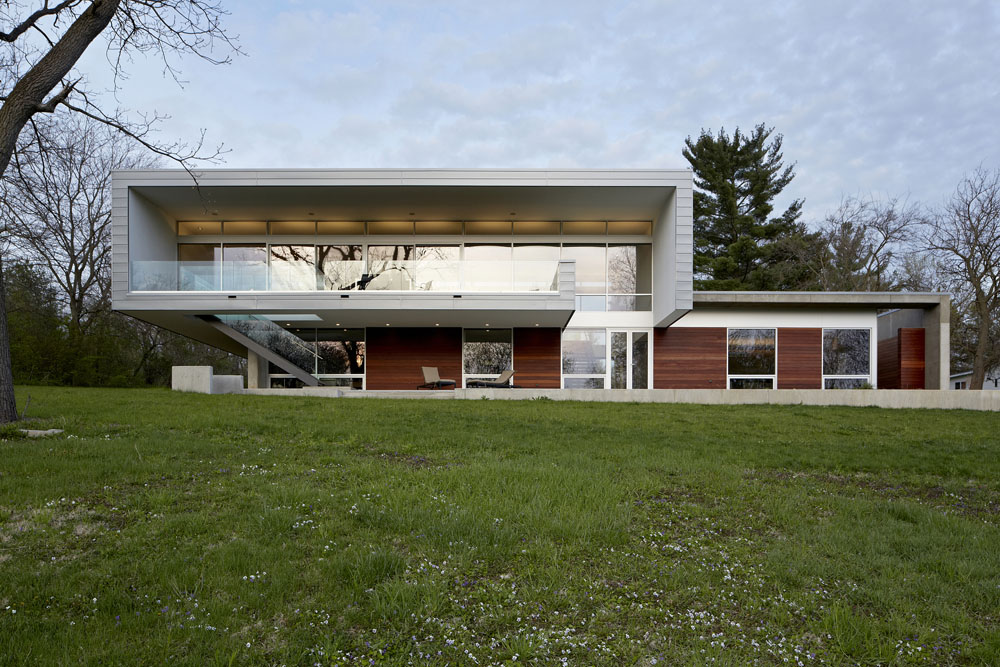 Simplicity Expressed in Riverview Home Enhanced by Natural Panoramas  homesthetics magazine (2)