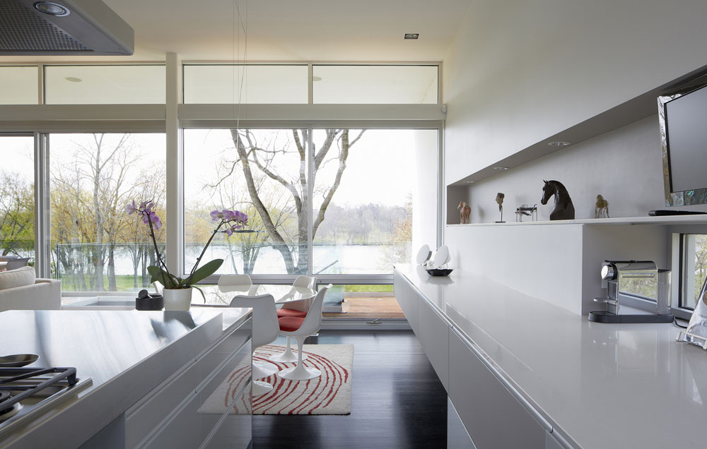 Simplicity Expressed in Riverview Home Enhanced by Natural Panoramas  homesthetics magazine (4)