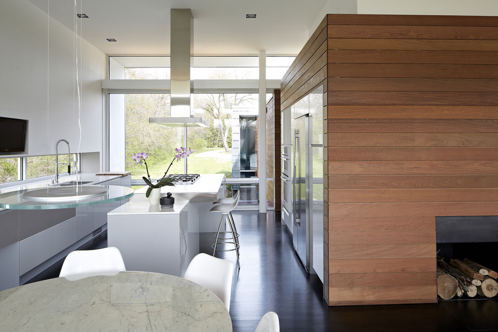 Simplicity Expressed in Riverview Home Enhanced by Natural Panoramas  homesthetics magazine (5)