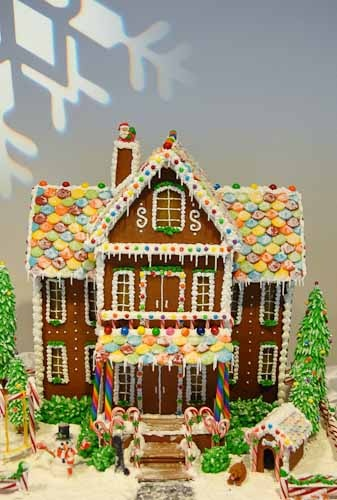 Sweet Christmas Inspiration Served by Jaw Dropping DIY Gingerbread Houses homesthetics (2)