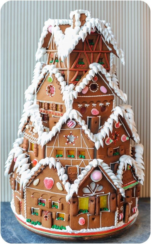 Sweet christmas inspiration served by 50 jaw dropping diy sweet christmas inspiration served by jaw dropping diy gingerbread houses homesthetics 4 solutioingenieria Choice Image
