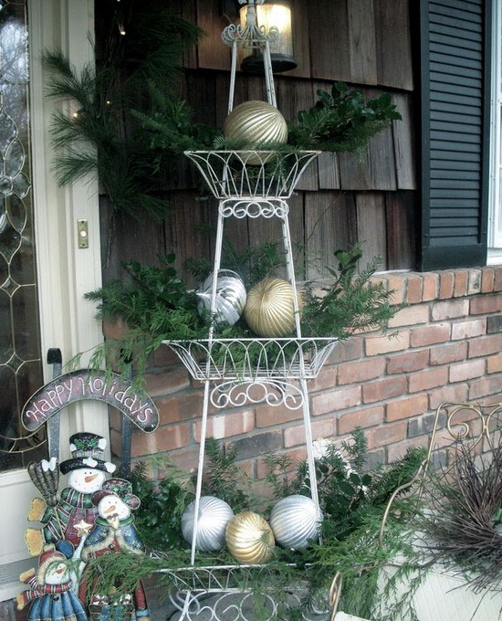 Use-a-Tiered-Stand-with-Greenery-Baubles1