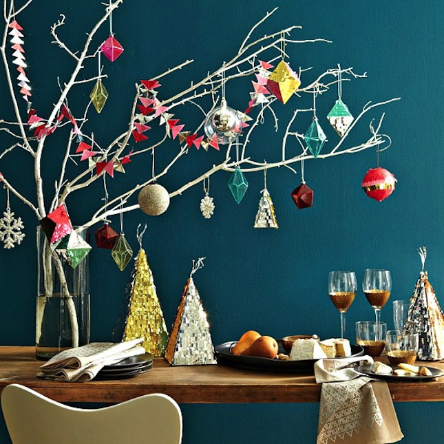 18 exceptionally brilliant modern christmas tree alternatives that you can embrace homesthetics 3