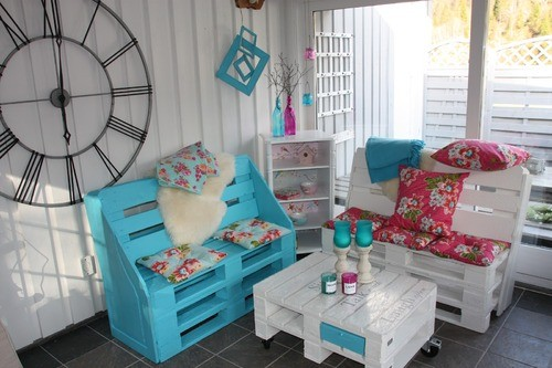 Shabby Chic Wooden Pallets Patio Furniture