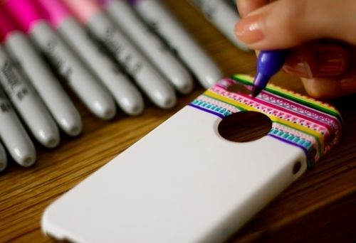 25 DIY Ways To Dress Up Your iPhone Case-homesthetics (13)