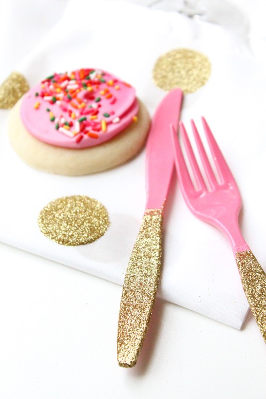 30+ Exceptionally Shiny DIY Glitter Project Ideas For The New Years Eve Party ! homesthetics decor (18)