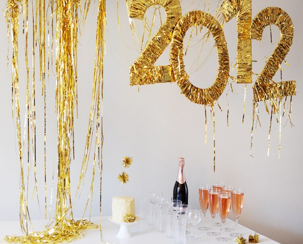 30+ Exceptionally Shiny DIY Glitter Project Ideas For The New Years Eve Party ! homesthetics decor (22)
