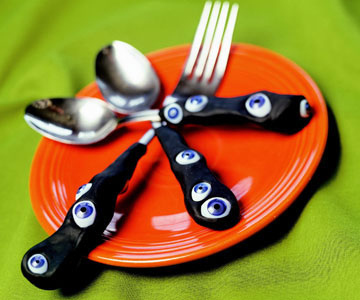30_ Quirky _Methods_ To Give_ New _Purpose _To _Old_ Utensils-homesthetics (13)