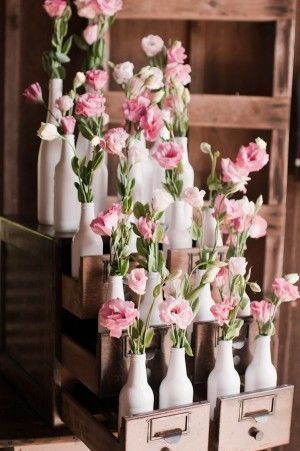 31 Beautiful Wine Bottles Centerpieces For Any Table-hometshetics (4)