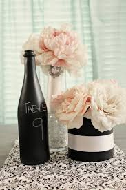 31 Beautiful Wine Bottles For Any Table_homestheitcs (16)