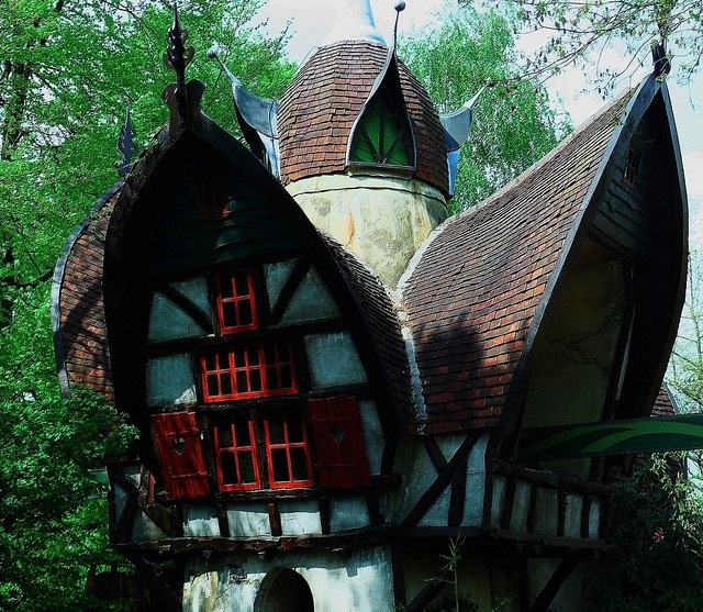 40 Storybook  Cottages Stolen From Fairytales (18)