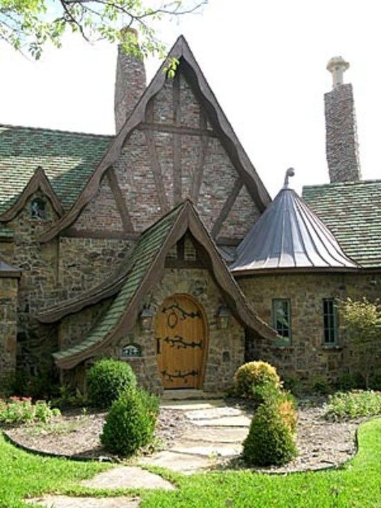 40 Storybook  Cottages Stolen From Fairytales (24)