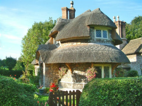 40 Storybook Small Cottages Stolen From Fairytales (18)