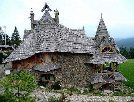 40 Storybook Small Cottages Stolen From Fairytales (24)