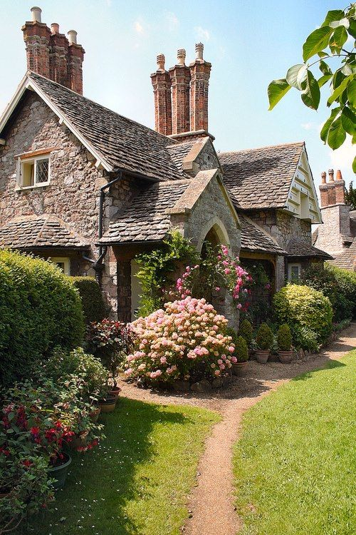 40 Storybook  Cottages Stolen From Fairytales (25)