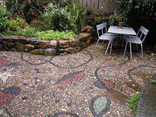 Backyard Landscaping Ideas-15 Magical DIY Pebble Paths That Seem Shaped by The Wind homesthetics (16)