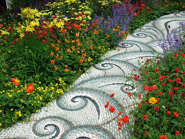 Backyard Landscaping Ideas-15 Magical DIY Pebble Paths That Seem Shaped by The Wind homesthetics (2)