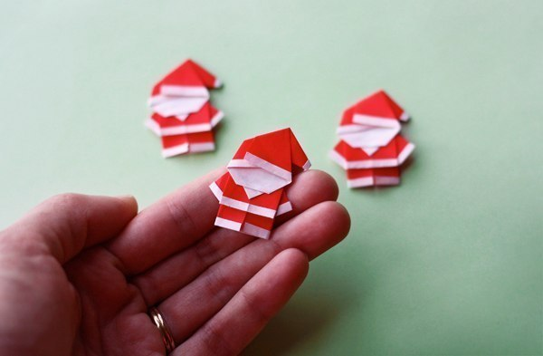 Create Extremely Cheerful DIY Origami Santa Claus For Your Decor or as Gifts 0 (2)