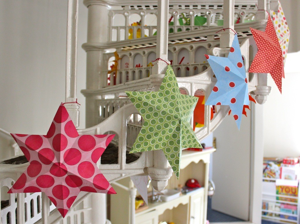 DIY Paper Art Projects - Learn How to Make 3D Paper Stars [Video Tutorial Included] homesthetics (16)