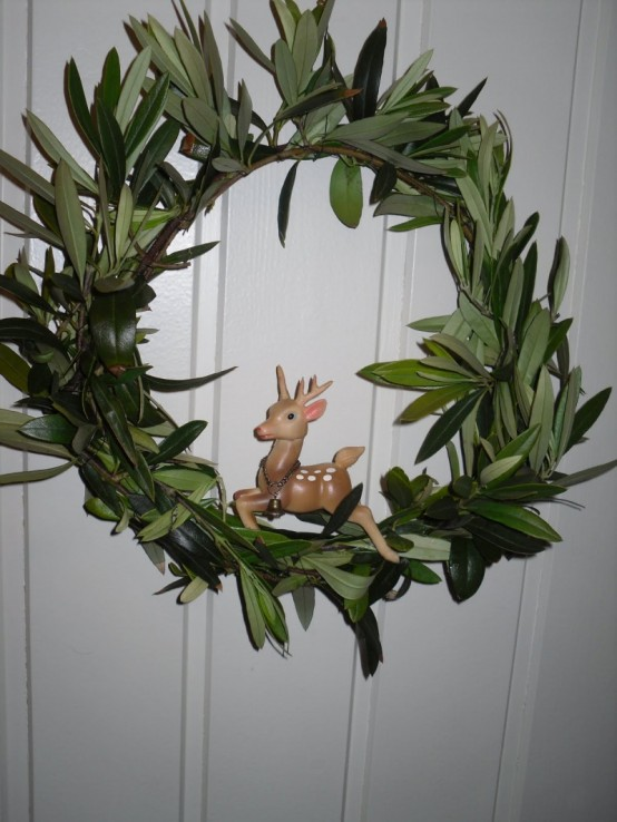 Welcome Loved Ones With Diy Christmas Wreaths